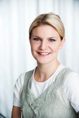MARIANNE MERIKUKKA, hammashoitaja • Aurinkoinen, palvelualtis ja ammattitaitoinen hammashoitaja.